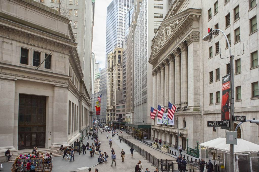 wall-street-photo-tagger-yancey-iv-nyc-and-company-02-2__large