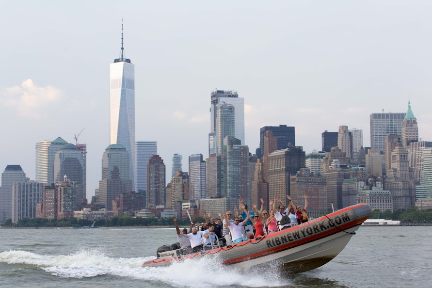 RIB-New-York-Boat-with-Guests-by-Manhattan